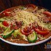 Салат с беконом и овощами